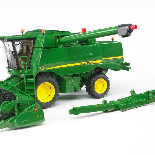 Bruder John Deere Combine Harvester T67Oi  /  02132